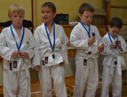 Otroci_medalje